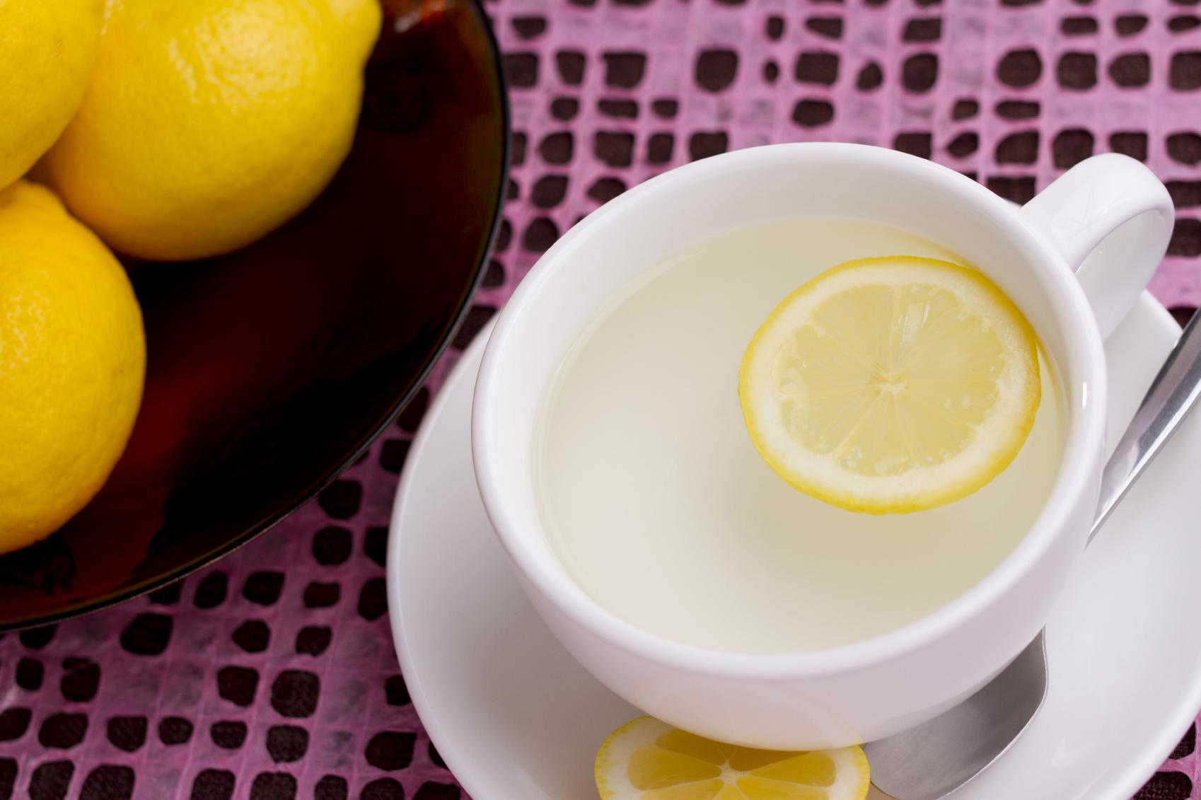 L'eau chaude au citron