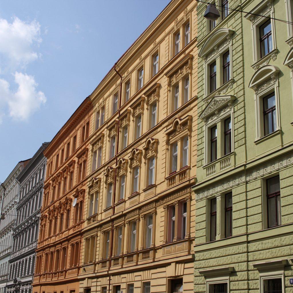 Bilan avant la rentrée - Les jolis bâtiments de Prague